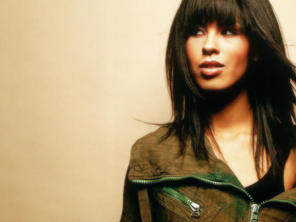 http://1.bp.blogspot.com/-2ImD1N-pOX0/TchnNMpF6CI/AAAAAAAAYX0/wqZT0yfKzHw/s1600/0106-Mena-Maria-Cute-Hot-Girl-Wallpaper.jpg