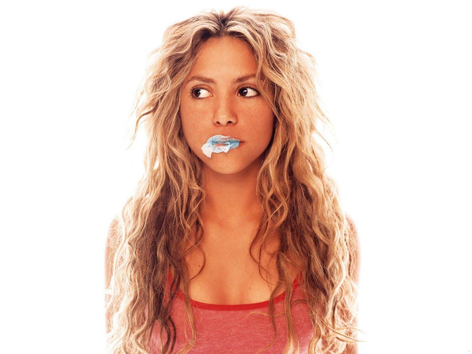 http://1.bp.blogspot.com/-2Iv1rn7rxlk/TtztsUGtxjI/AAAAAAAACJM/NGXXK_44EvM/s1600/Shakira_pop_star_wallpapers_05.jpg