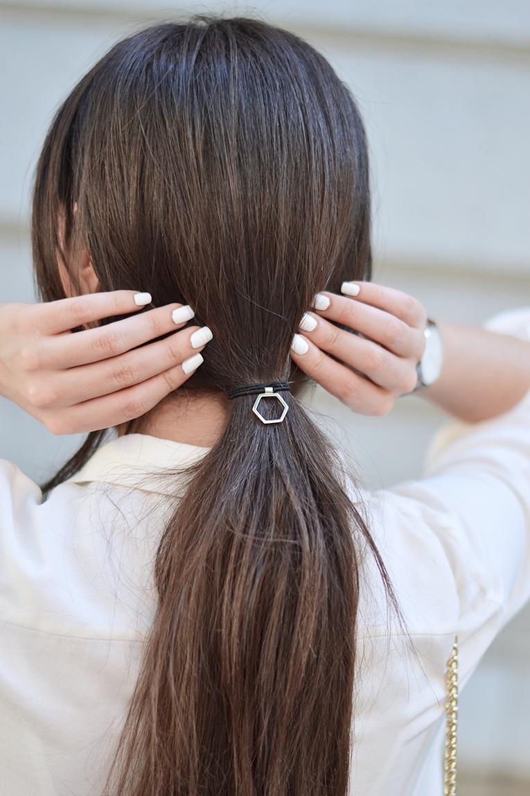 hair, pony tail, white nails