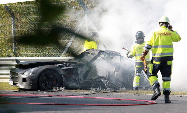 Mercedes-Benz SLS AMG Black Series Prototype Goes up in Flames on the `Ring gassguzzler