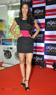 Femina Miss India 2013 Navneet Kaur  Pictures at New Reliance Digital Xpress Store  0015