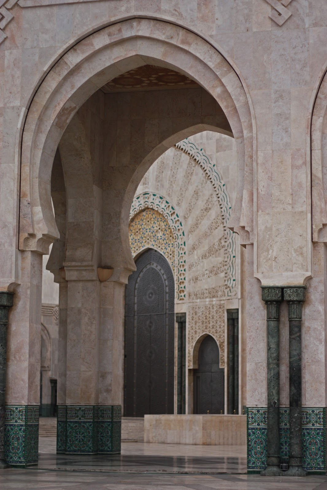 hassan II mosque square