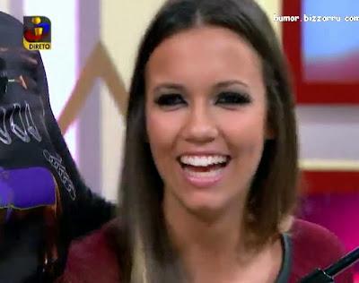 Débora Picoito a cantar no A Tarde é Sua