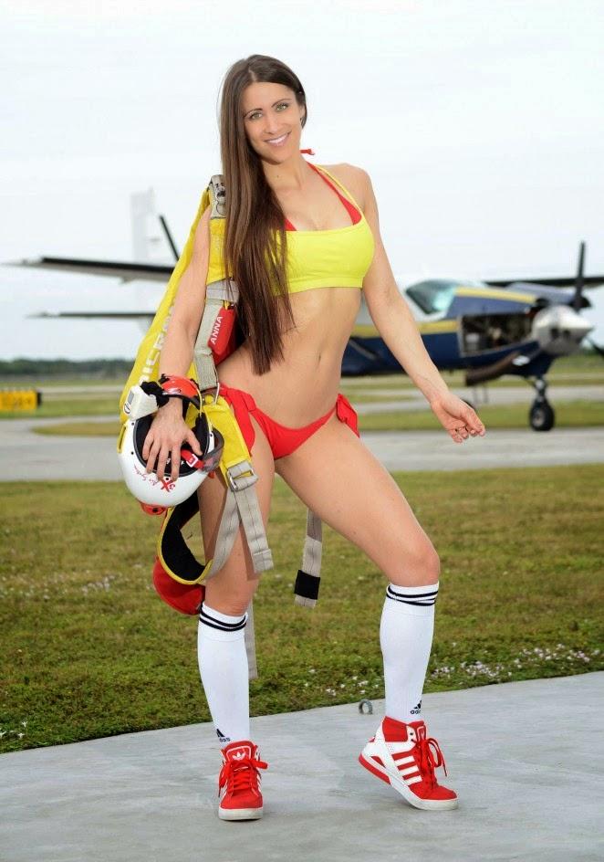 Anais Zanotti in Bikini in Miami