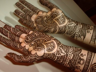 Latest mehndi designs for wedding and parties