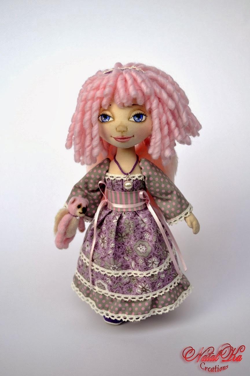 Künstlerpuppe Stoffpuppe Puppe rosa Engel handgemacht von NatalKa Creations. Авторская текстильная кукла тряпичная кукла ангел от NatalKa Creations.