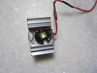 Power led mounted on heatsink
