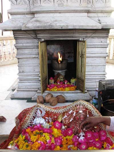 vaishno devi darshan by helicopter with Ambaji Gujarat on Mesmerizing Experience Of Kailash likewise E4b2dsDFwDw in addition Shree Rama Temple further Jay Maa Saraswati further History of the shrine.