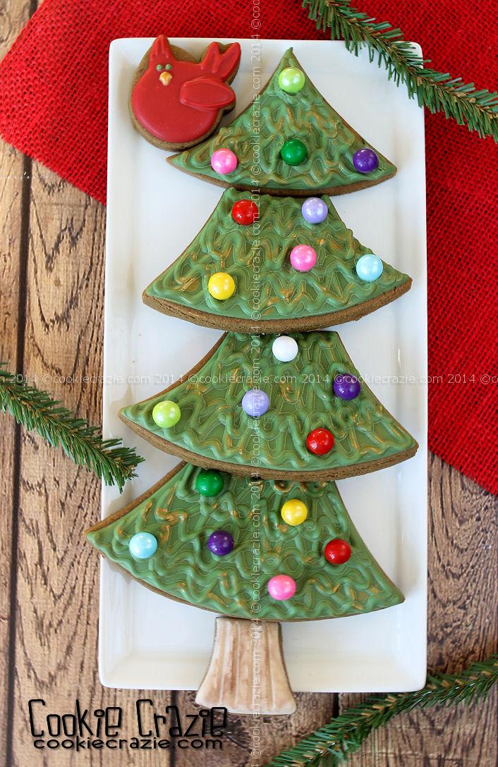 http://www.cookiecrazie.com/2014/12/gingerbread-house-tutorial.html