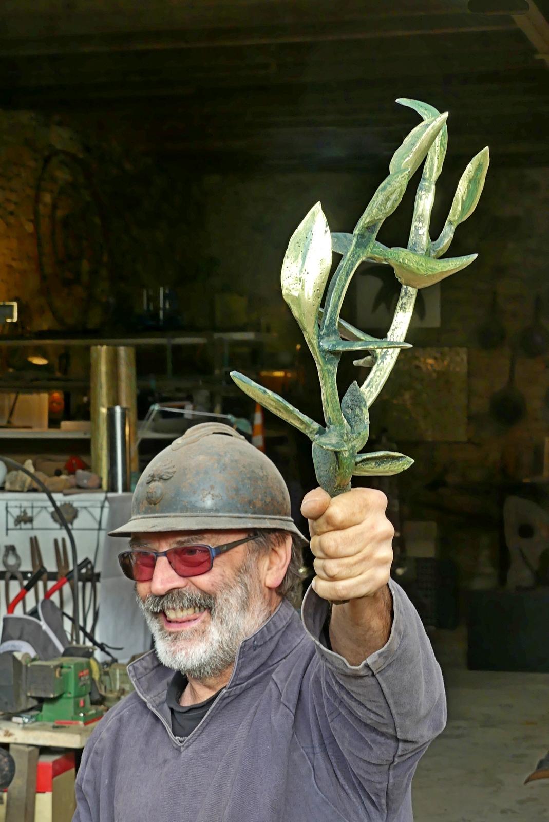le poilu de Plélan et son rameau d'olivier
