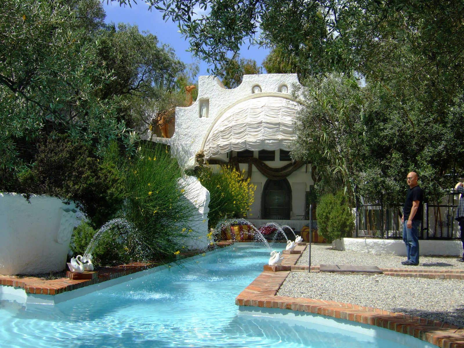Crazy shape swimming pools modern design by for Italian pool design 7