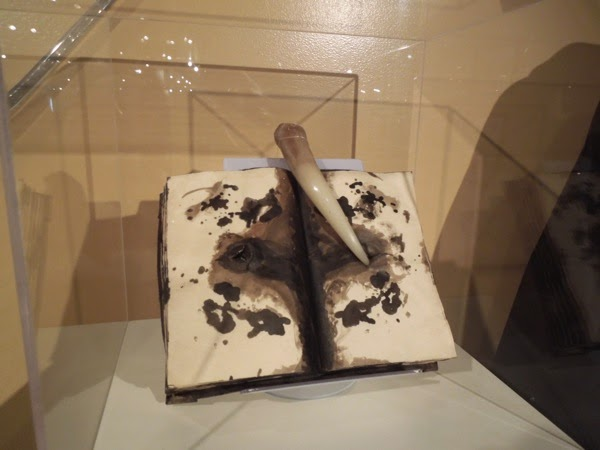 Tom Riddle's diary Basilisk fang prop Harry Potter Chamber of Secrets