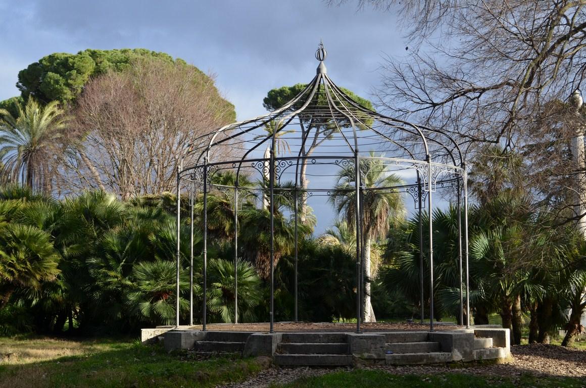 Mussolini Abitava A Roma In Villa Torlonia