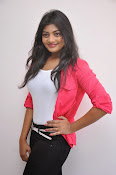 Sowmya Glamorous photos at Galata Audio-thumbnail-18
