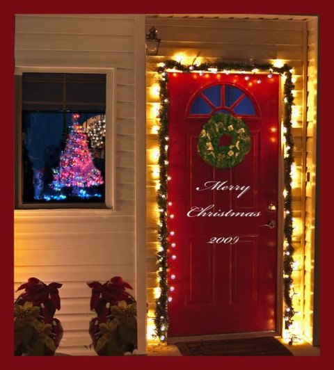 Christmas wallpapers and images and photos christmas door for Door xmas decoration ideas