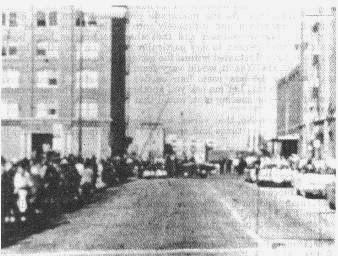 JFK entrando en Elm Street