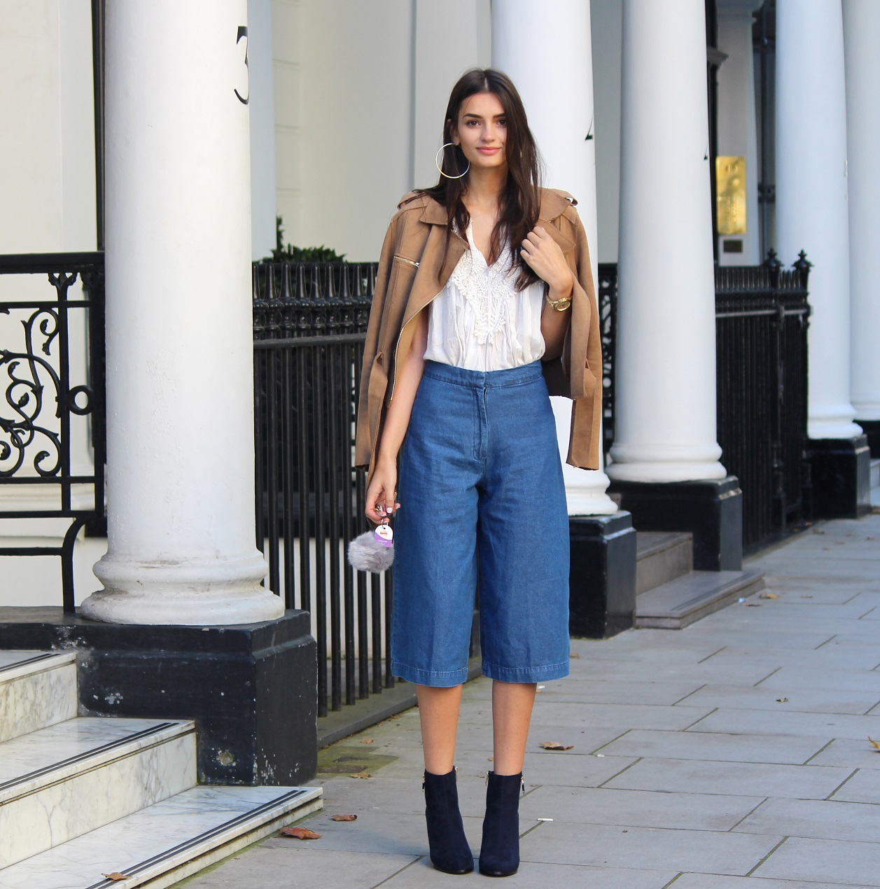 peexo fashion blogger wearing denim culottes and suede
