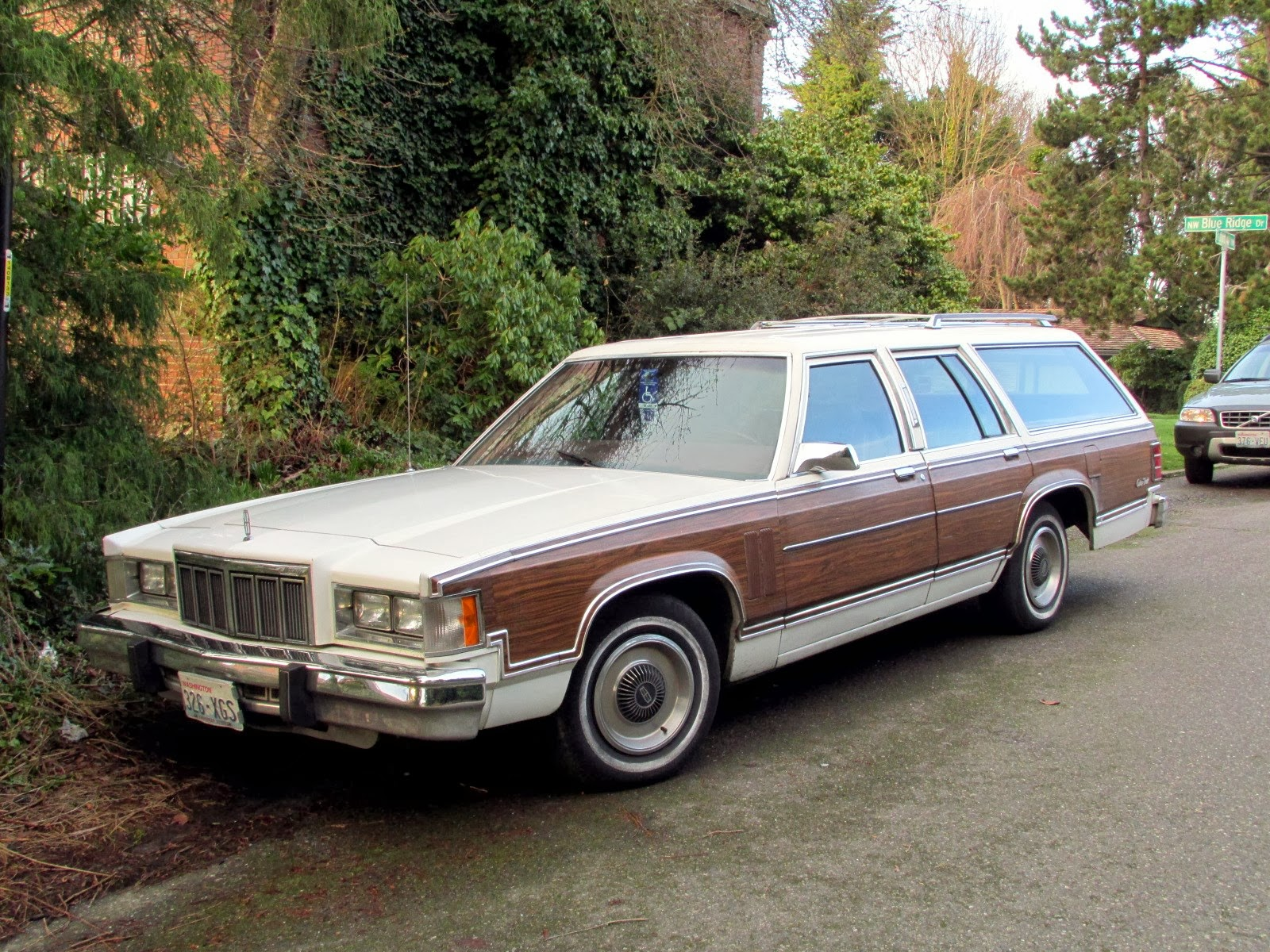 Seattles classics 1979 mercury grand marquis colony park wagon 1979 mercury grand marquis colony park wagon sciox Images