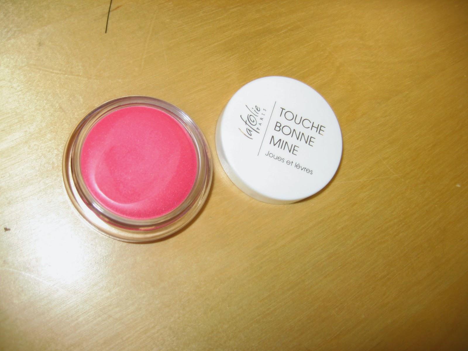 crème pour les lèvres et les joues