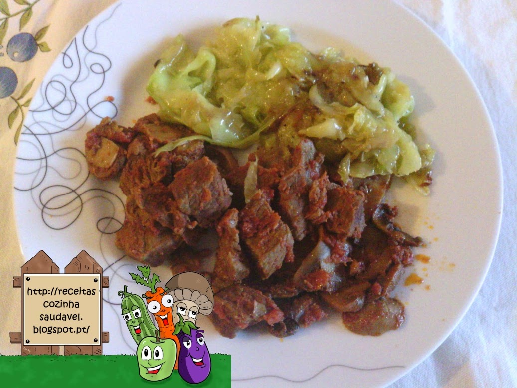 Carne Estufada com Tomate e Cogumelos