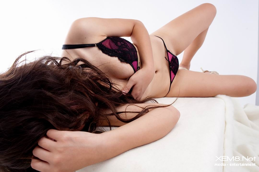 Quay lén ảnh chụp cực hay gái đẹp khoe lông mu bim bím