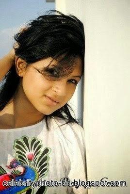 Bangladeshi+model+and+actress+Orchita+Sporshia's+Hot+Photos010 001