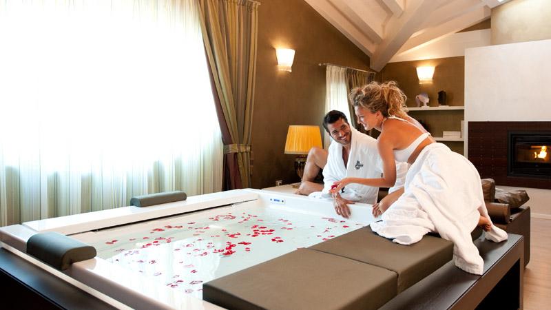 Vasca Idromassaggio In Camera Da Letto: Hotel e camere family ...