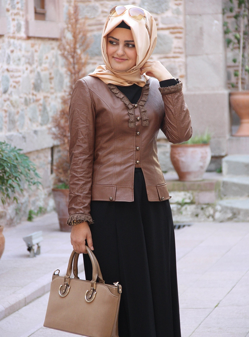 Leather jacket hijab - The Fact That The Air Has Become Authentic Leather Pinar Sems Lace Leather Jacket Brand Design Models That Capture The Difference Between Being Modern