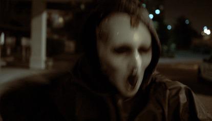 Primer vistazo a la nueva máscara de la serie 'SCREAM' en movimiento