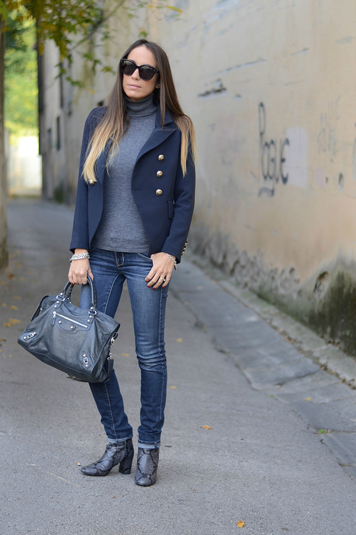 navy blazer outfit