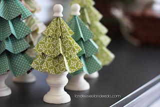 http://1.bp.blogspot.com/-2NZ4FJnBj1U/TteuWPAJLuI/AAAAAAAAITA/hU9rJjLQ0ys/s320/folded+paper+trees.jpg