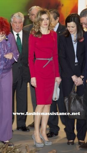 Los Príncipes de Asturias inauguran ARCO 2011. El look de Dña. Letizia