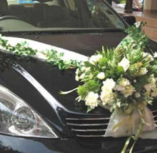 Carros para bodas decorar el carro de los novios fotos - Decoracion interior coche ...
