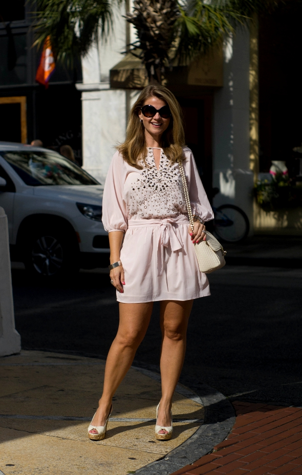 Wedge Heels, Sunglasses, southern womens fashion, southern street style, Charleston Street style, pale pink dresses in spring