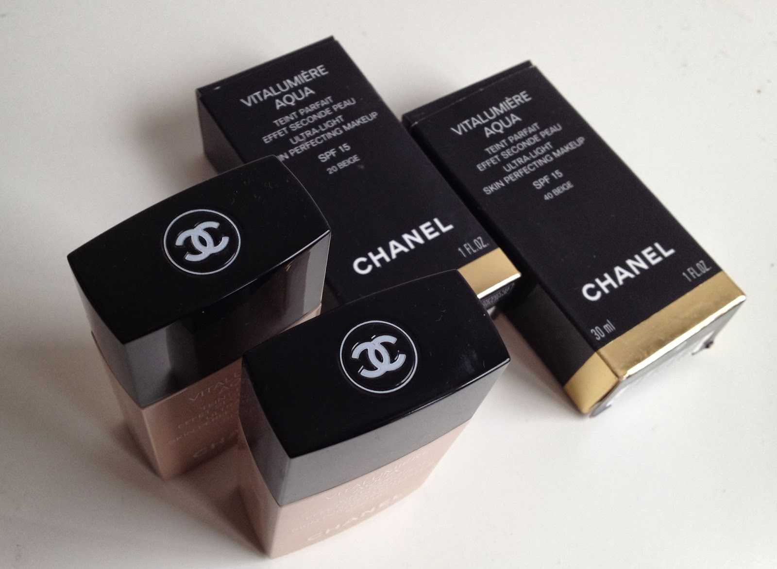 Chanel Vitalumiere Aqua Foundation B20 & B40