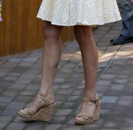 image Beautiful barefoot girls 2 heather stewart
