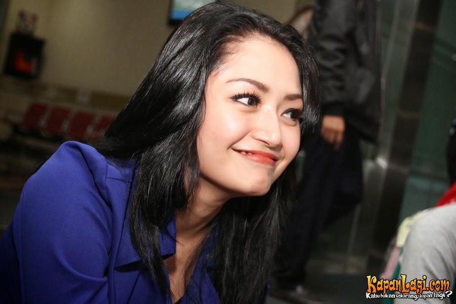 Inilah 3 foto bugil amp syur siti badriah yang beredar di for Siti di foto