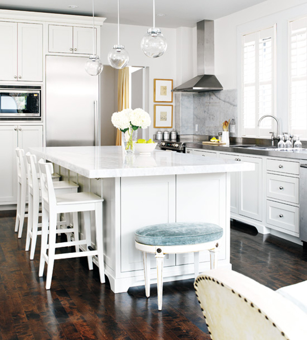 blackeiffel another gorgeous white kitchen