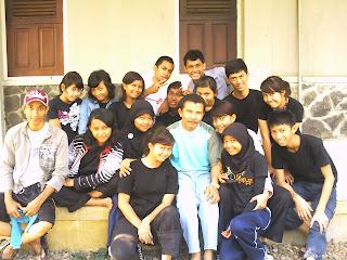 Diposkan oleh OSIS MPK SMAN 107 di Selasa, Juni 07, 2011 0komentar