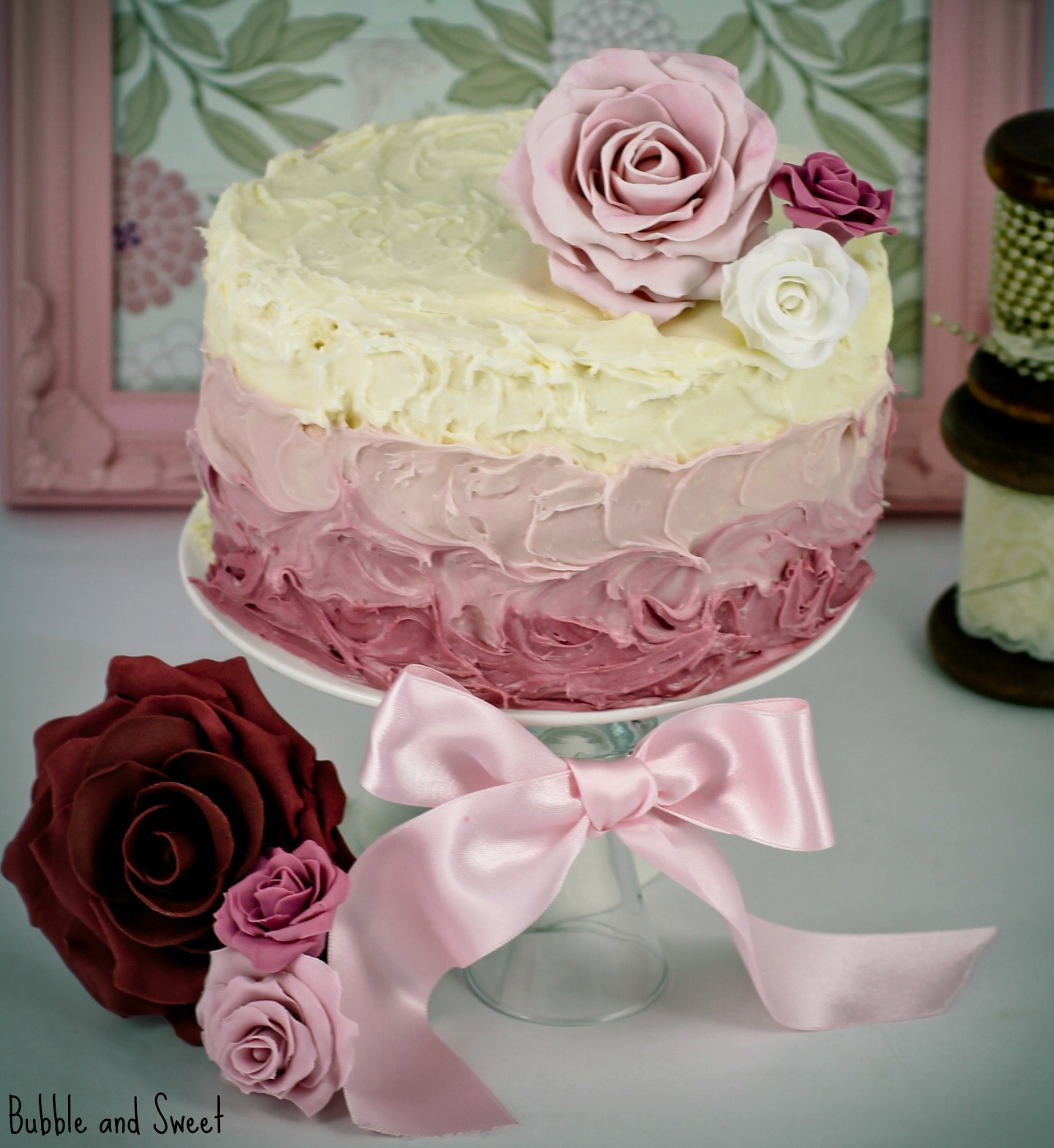 Cake Decorations Pink Roses : Bubble and Sweet: Butter versus Oil a comparison using ...