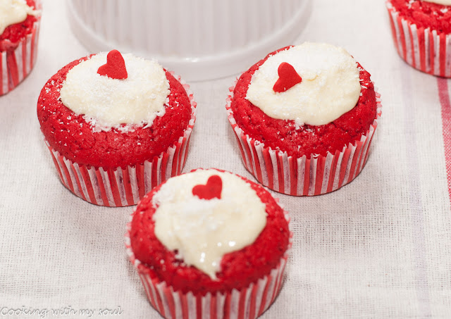 cupcakes surpriza umplute
