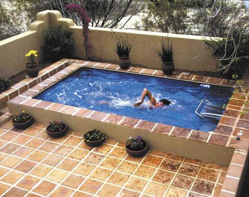 Xây dựng bể bơi gia đình hẹp