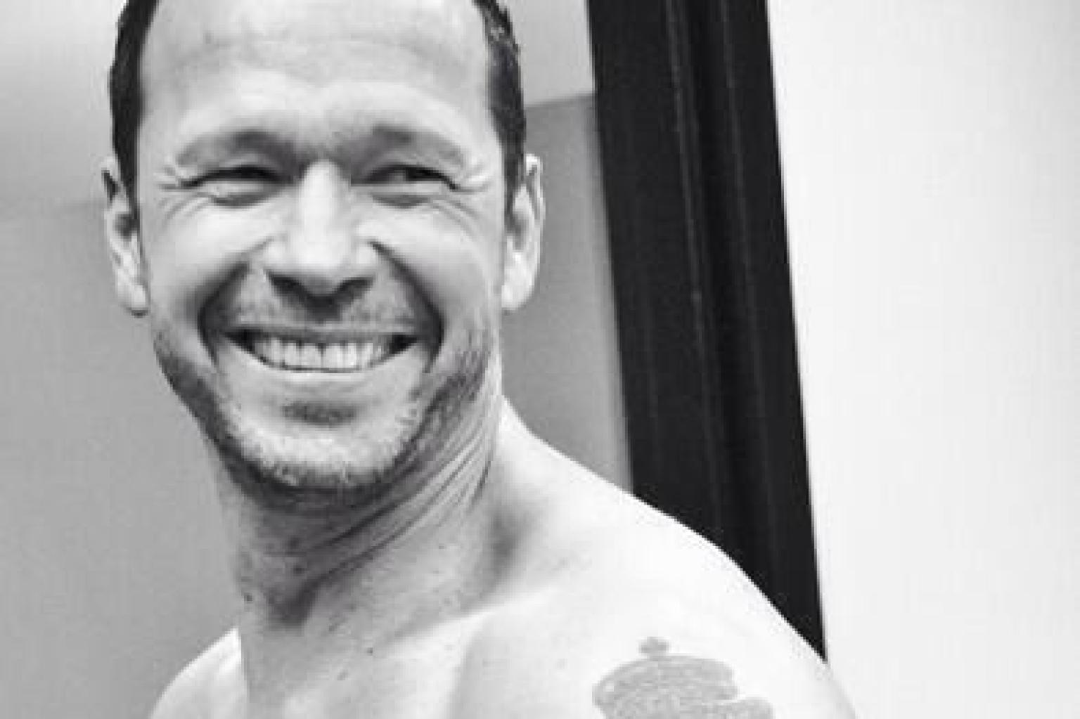 Donnie Wahlberg Posts Naked 'Selfie' ~ Celebrity News & Gossips