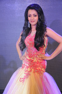 Trisha-Ramp-Walk-Stills-CF-06.jpg