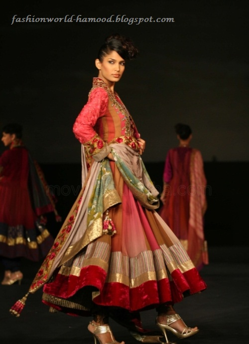 Tanisha Mukherjee In Manish Malhotra Lehenga Choli
