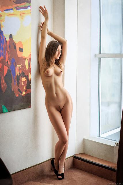 Голые Девчонки В Квартире