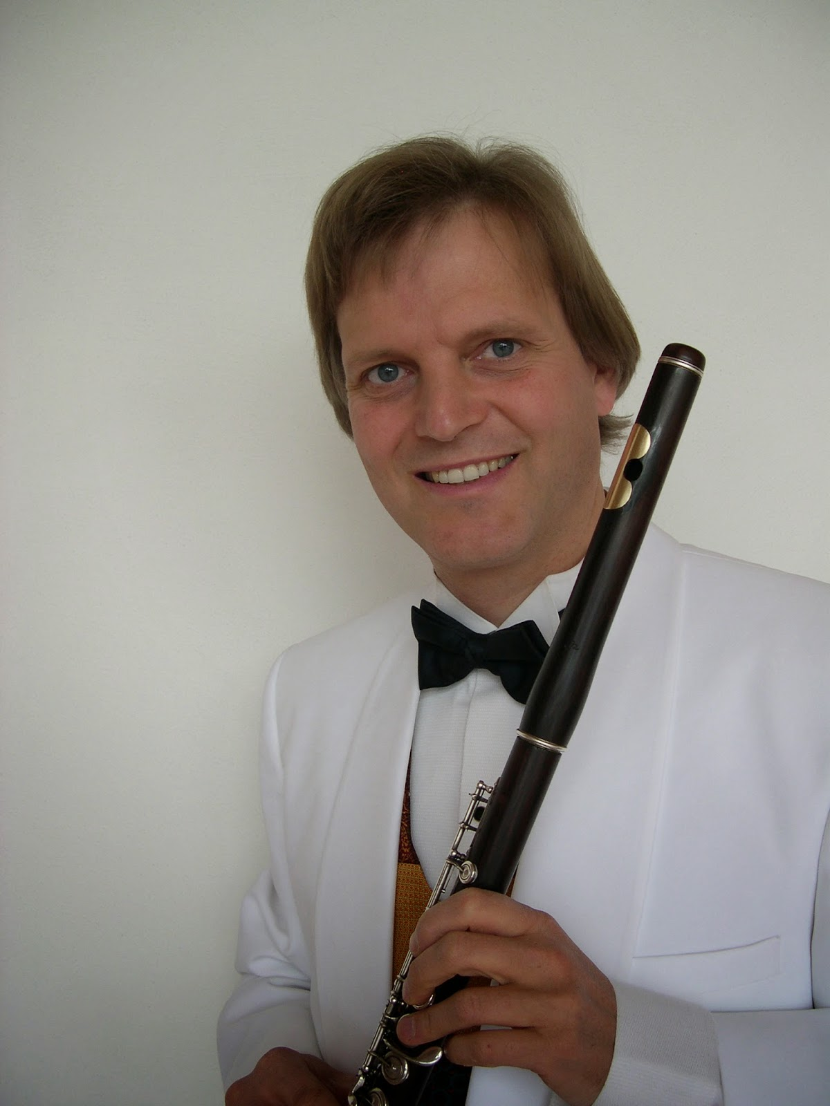 Estudantes de Flauta: Charles Griffes Poem for Flute and Orchestra  #5D5F6E 1200x1600