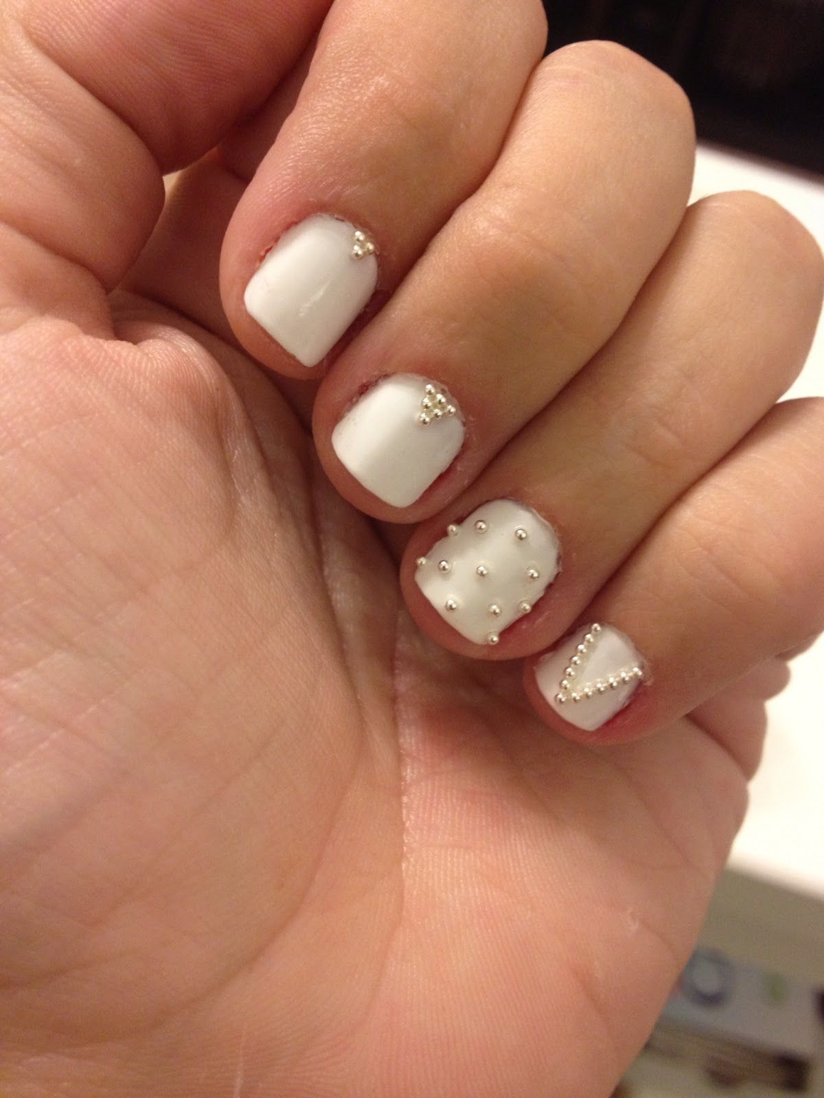 The Makeup Masochist: Nails of the Week: Hot Haute White