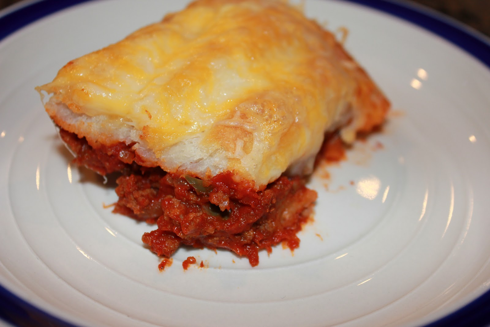 Never trust a skinny cook....: Sloppy joe casserole