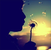 Los que olvidan el pasado, estan condenados a repetirlo. A veces no puedes dejar marchar al pasado,